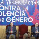 Román pide especial atención a los menores que sufren la violencia de género en sus hogares