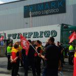 Huelga indefinida de los 300 trabajadores del la planta de DHL-Primark en Torija contra los turnos no remunerados de los sábados