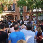 Cientos de personas recuerdan a Miriam en Alovera mientras su familia pide apoyo para los investigadores y que no se publiquen especulaciones