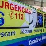 Herido menos grave un operario municipal al que un vehículo tiró de la escalera mientras cambiaba una bombilla de una farola