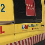Muere un motorista en Alcalá de Henares tras chocar contra una farola en una rotonda