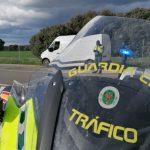 Detenidos dos conductores temerarios: uno con el carné caducado a 170 km/h en un cruce de 70 y un camionero ebrio colapsando la A2