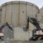 Últimos pasos para la demolición de la central de Zorita: comienza el derribo del edificio de contención que albergaba el reactor