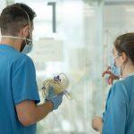 Los pacientes ingresados por COVID en el hospital de Guadalajara bajan por primera vez en semanas del medio centenar, con 32 en planta y 16 en la UCI, a fecha 14 de mayo