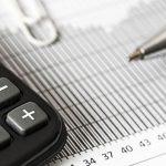 La calculadora de préstamos ayuda a evitar endeudamientos