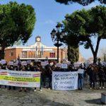 Cientos de autónomos y pequeños empresarios se concentran en Azuqueca para protestar por el abandono y ataques que sufren por las administraciones «que les llevará al cierre»