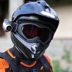Siete de cada diez moteros no saben que les pueden multar por llevar cámara en el casco de la moto: estas son las infracciones más curiosas que muchos motoristas desconocen