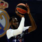 El azudense Usman Garuba, pívot del Real Madrid, recibe el título de 'Mejor Jugador Joven de la Temporada en la Liga Endesa' y ya mira a la NBA