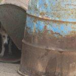 Denunciado por maltrato animal el dueño de una finca en Moratilla de Henares por tener medio centenar de perros de caza en malas condiciones higiénico sanitarias: infecciones, parásitos, excrementos…